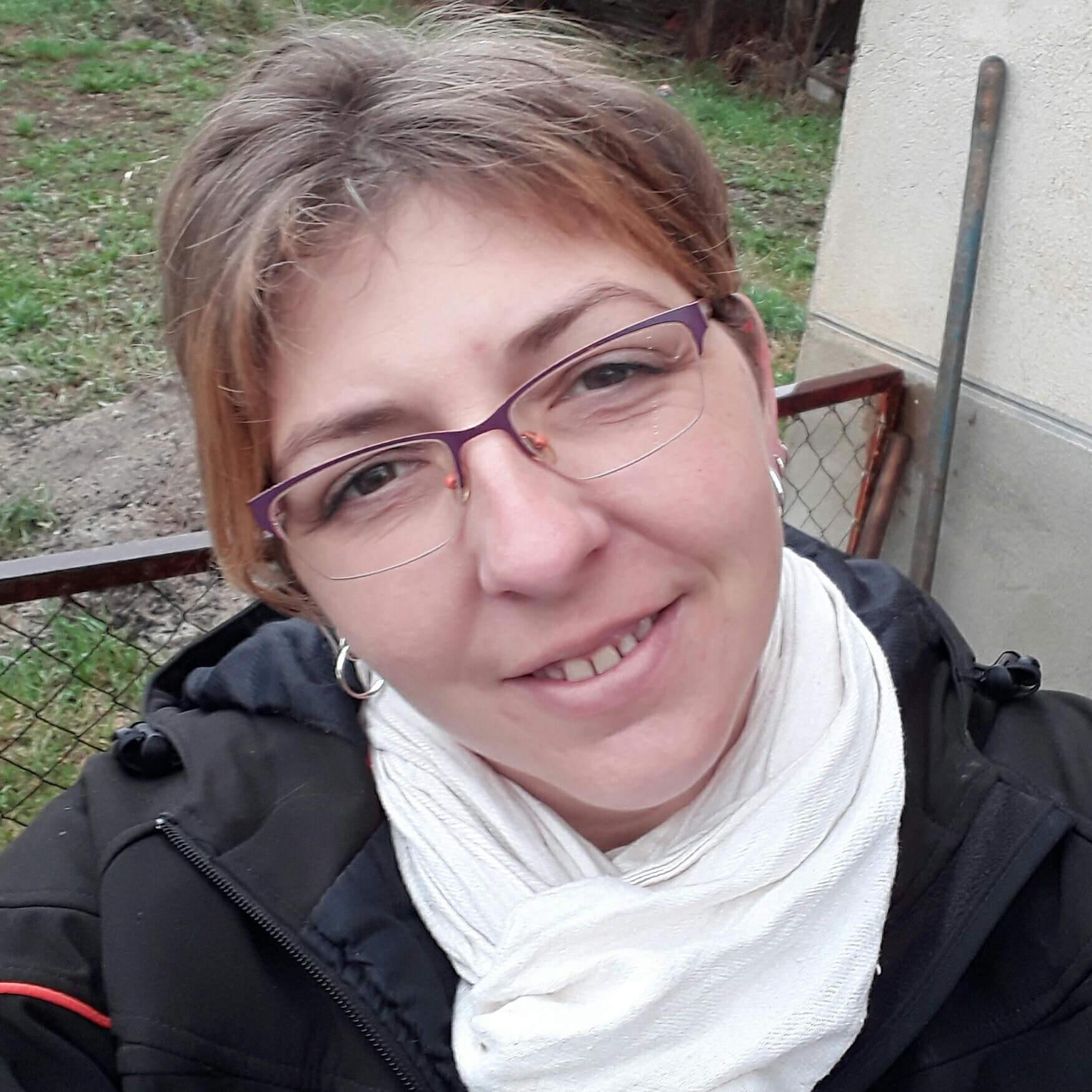 notre chroniqueuse de charme spécialisée en new romance : Nad !